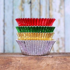 Fancy Foil Christmas Cupcake Liners | www.bakerspartyshop.com