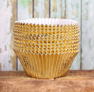 Jumbo Foil Gold Cupcake Liners | www.bakerspartyshop.com