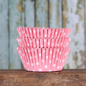 Light Pink Cupcake Liners: Polka Dot | www.bakerspartyshop.com