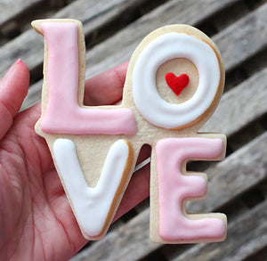 Love Cookie Cutter | www.bakerspartyshop.com