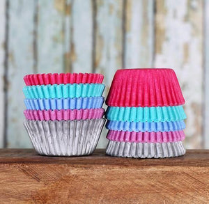 Mini Cupcake Liners: Mermaid | www.bakerspartyshop.com