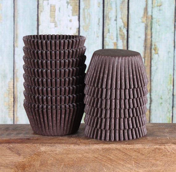 Midi Brown Cupcake Liners | www.bakerspartyshop.com