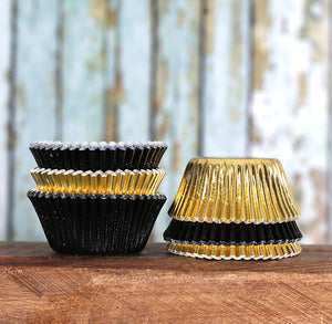 Mini Foil Black & Gold Cupcake Liners | www.bakerspartyshop.com