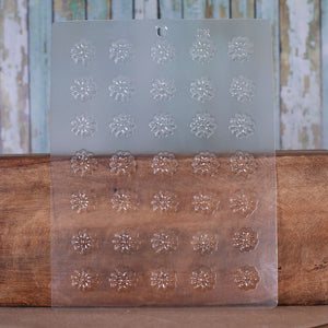 Mini Flowers Candy Mold: Daisies | www.bakerspartyshop.com