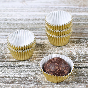 Mini Gold Candy Cups | www.bakerspartyshop.com