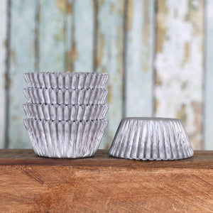 Mini Matte Silver Cupcake Liners | www.bakerspartyshop.com
