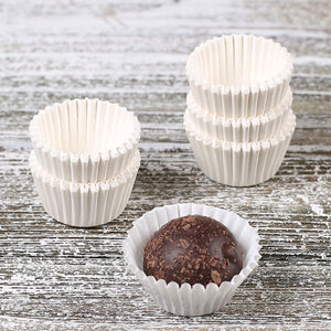 Mini White Candy Cups | www.bakerspartyshop.com
