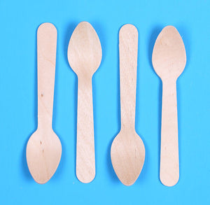 Disposable Mini Wooden Spoons | www.bakerspartyshop.com