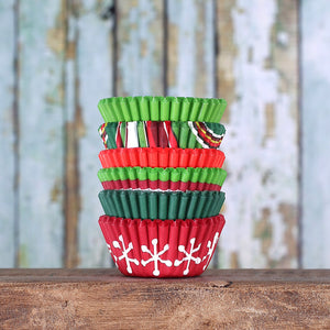 Mini Christmas Cupcake Liners | www.bakerspartyshop.com