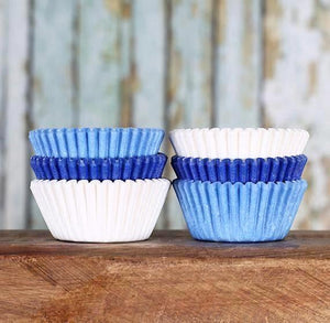 Mini Cupcake Liners: Ombre Blue | www.bakerspartyshop.com