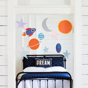 DIY Outer Space Banner | www.bakerspartyshop.com