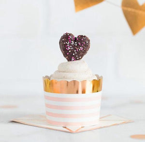 Light Pink and Gold Baking Cups | www.bakerspartyshop.com