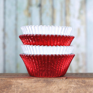 Foil Cupcake Liners: White & Red | www.bakerspartyshop.com