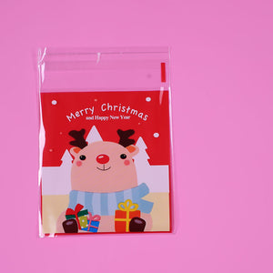 Mini Reindeer Candy Bags | www.bakerspartyshop.com