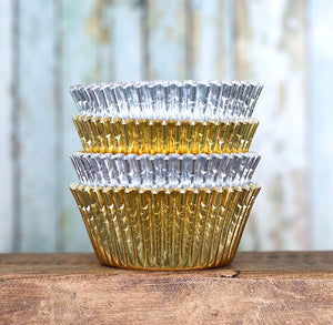 Foil Cupcake Liners: Silver & Gold | www.bakerspartyshop.com