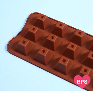 Small Pyramid Candy Mold | www.bakerspartyshop.com