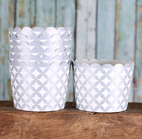 Small Silver Baking Cups | www.bakerspartyshop.com