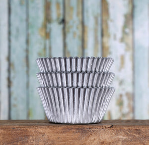 Bulk Matte Silver Cupcake Liners | www.bakerspartyshop.com