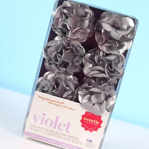 Violet Flower Candy Cups: Silver | www.bakerspartyshop.com