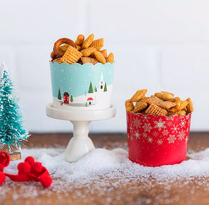 Christmas Baking Cups: Snowy Town + Snowflakes | www.bakerspartyshop.com