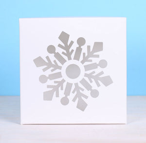 Small White Bakery Boxes: Snowflake | www.bakerspartyshop.com