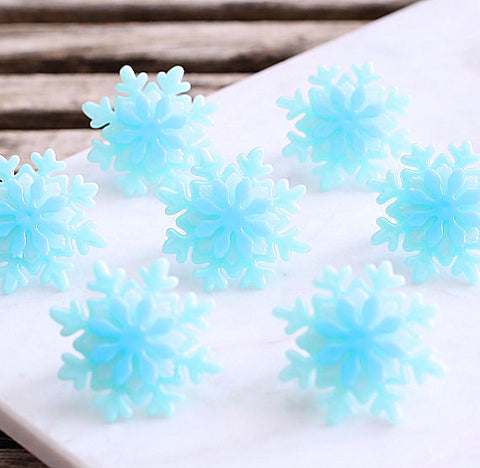 Iridescent Frozen Snowflake Cupcake Rings | www.bakerspartyshop.com