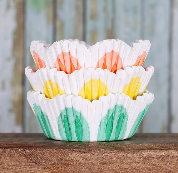 Spring Tulip Cupcake Liners | www.bakerspartyshop.com