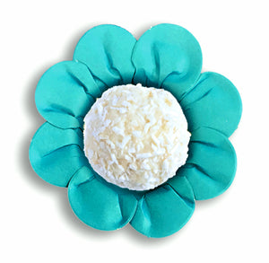 Daisy Flower Candy Cups: Teal | www.bakerspartyshop.com