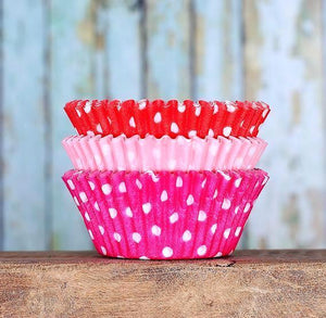 Polka Dot Cupcake Liners: Valentine | www.bakerspartyshop.com