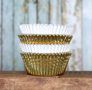 Foil Cupcake Liners: White & Gold | www.bakerspartyshop.com