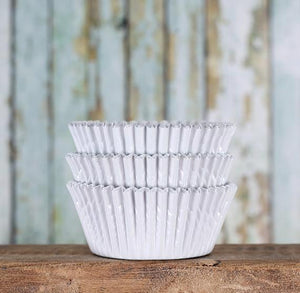 Bulk Foil White Cupcake Liners | www.bakerspartyshop.com