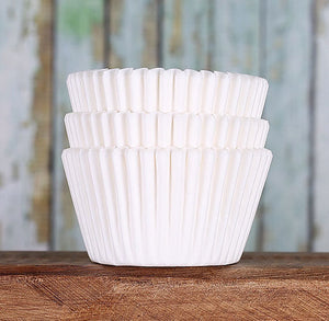 Basic White Cupcake Liners | www.bakerspartyshop.com