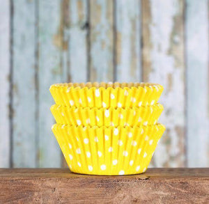 Bulk Yellow Cupcake Liners: Polka Dot | www.bakerspartyshop.com