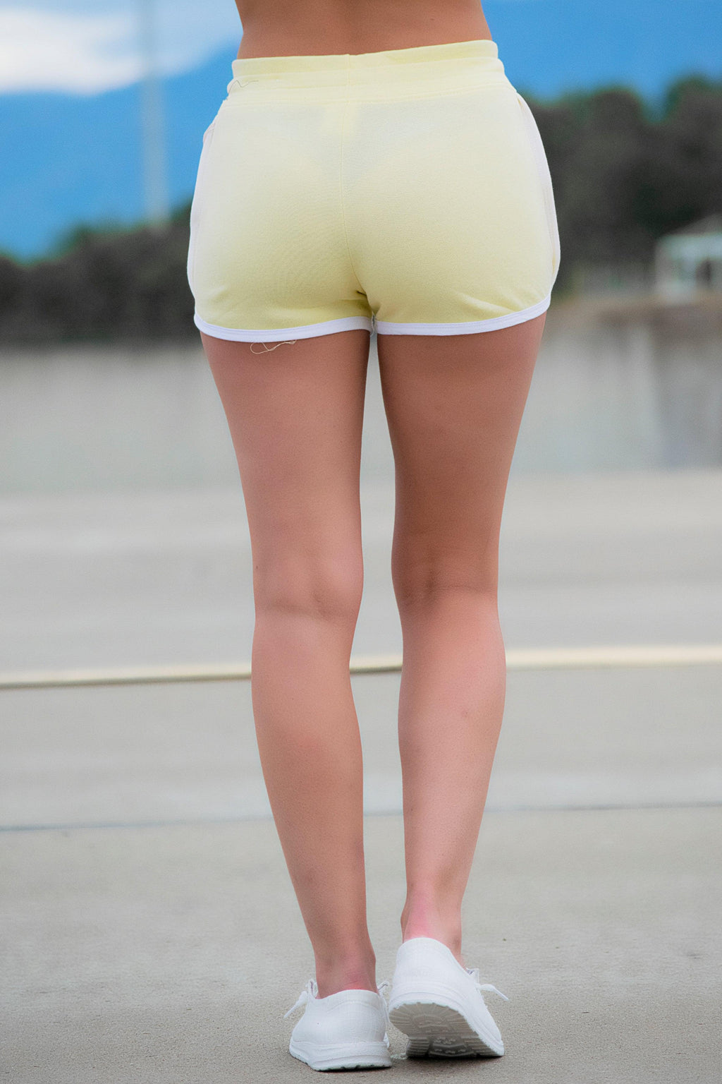Light Yellow Contrast Shorts - 512 Boutique