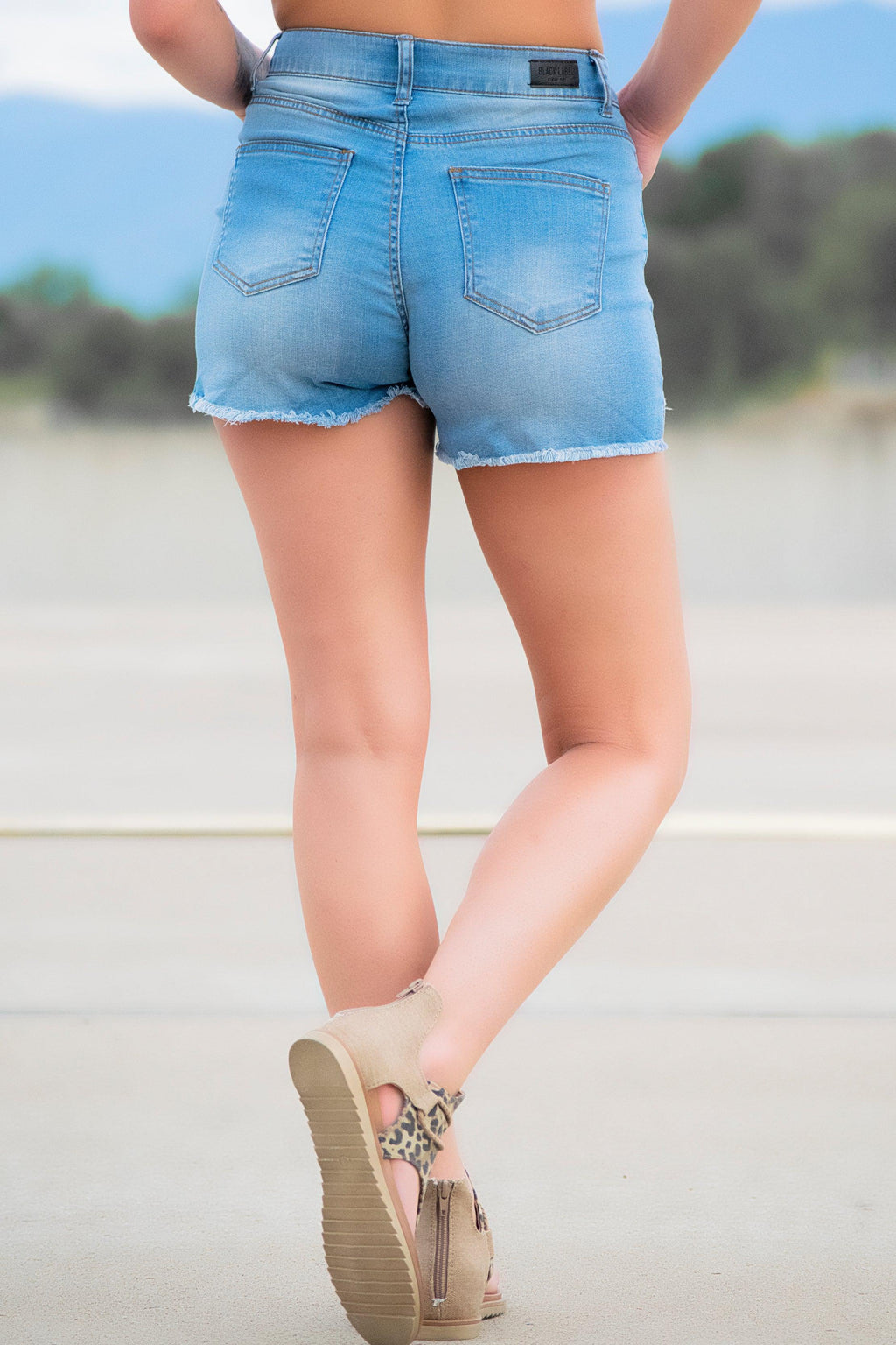 Gavin Denim shorts-Lightwash - 512 Boutique