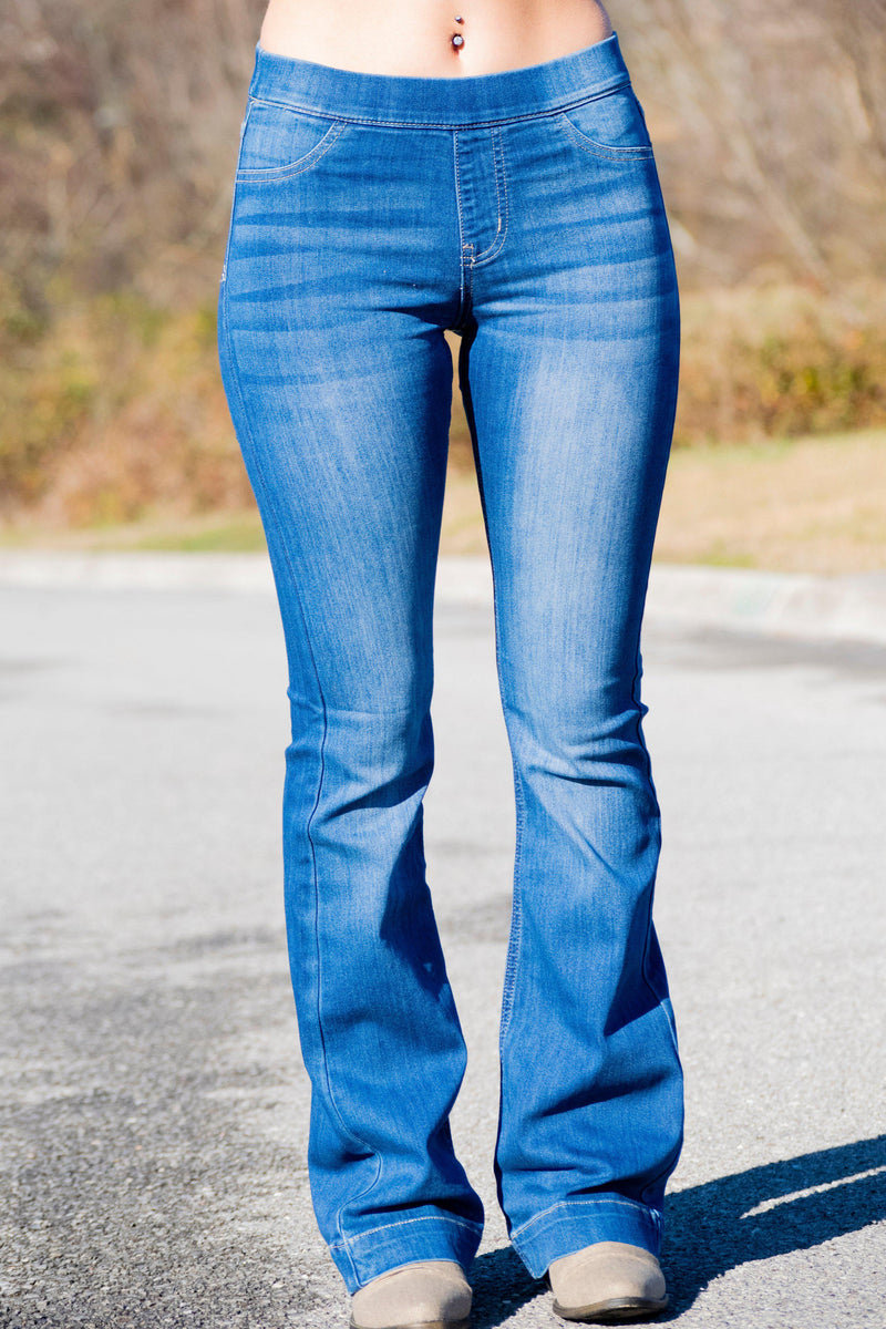 Lindsi Flare Jeans- Lightwash - 512 Boutique