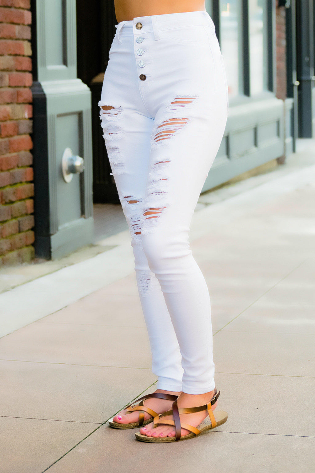 Maddie White Wash Distressed Jeans - 512 Boutique