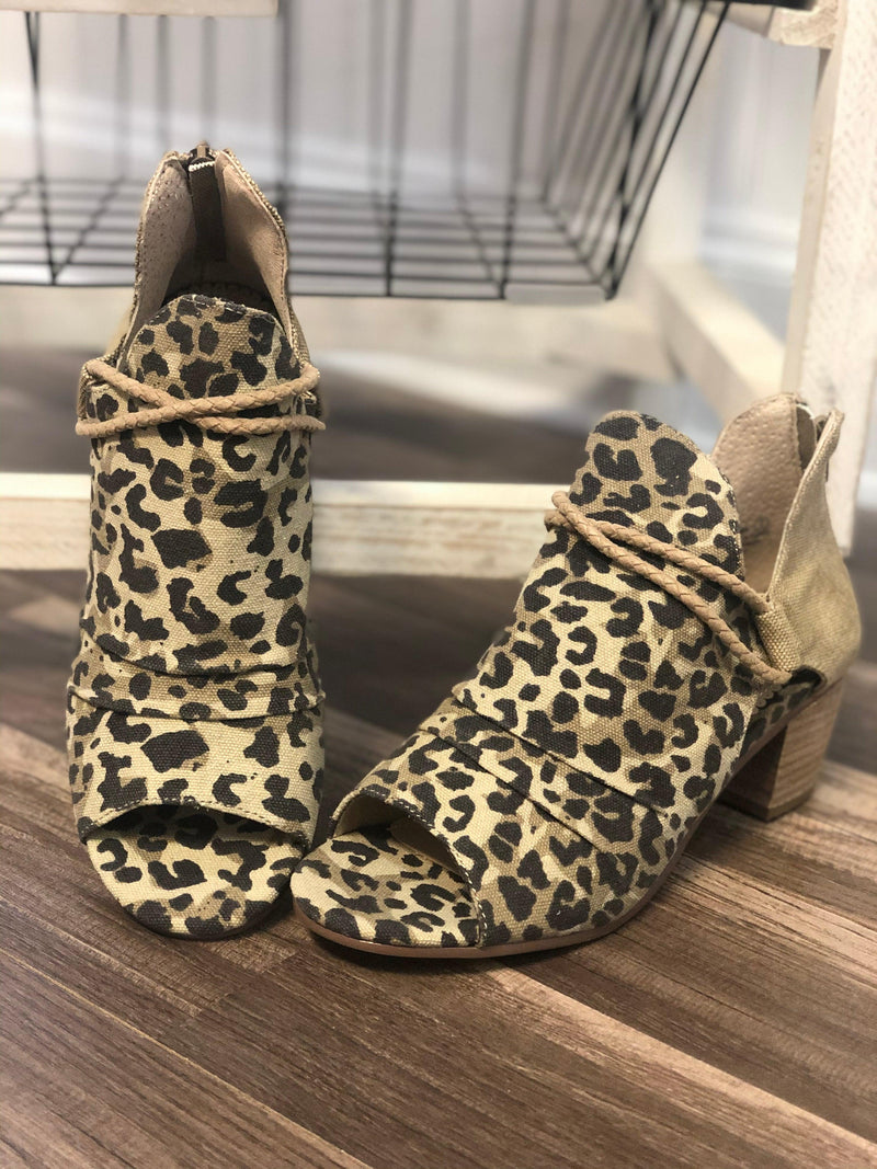 Very G Sillian Bootie- Leopard - 512 Boutique
