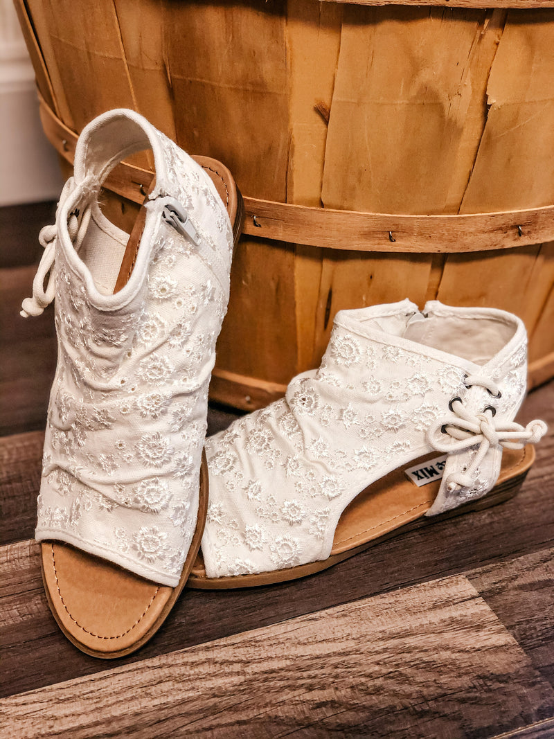 Very G Sillian Booties- Cream