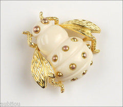 Vintage Crown Trifari Figural Light Cream Lucite Bee Bug Fly Insect Brooch Pin