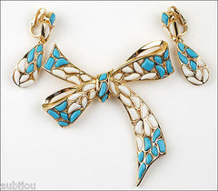 Vintage Trifari Modern Mosaic White Blue Molded Glass Bow Ribbon Brooch Pin Set 1960's