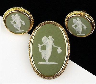 Vintage Wedgwood Gold Filled Jasperware Green Porcelain Cameo Brooch Pin Flora Set