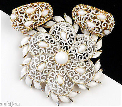 Vintage Crown Trifari White Enamel Cabochon Filigree Lace Flower Brooch Pin Set