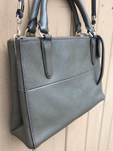 Load image into Gallery viewer, COACH Leather Crossbody Bag