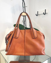 Load image into Gallery viewer, TOD'S Orange D-Styling Medium Bauletto Leather Tote Bag