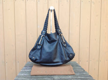 Load image into Gallery viewer, GUCCI Black Guccisima Leather Medium Horsebit Pelham Shoulder Bag