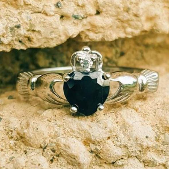 Womens Black heart ring in silver