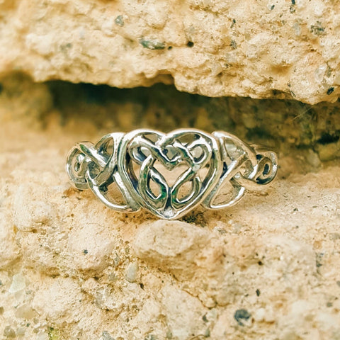 .925 Sterling Silver Celtic Heart Ladies Ring with Infinity Knots size 4-11