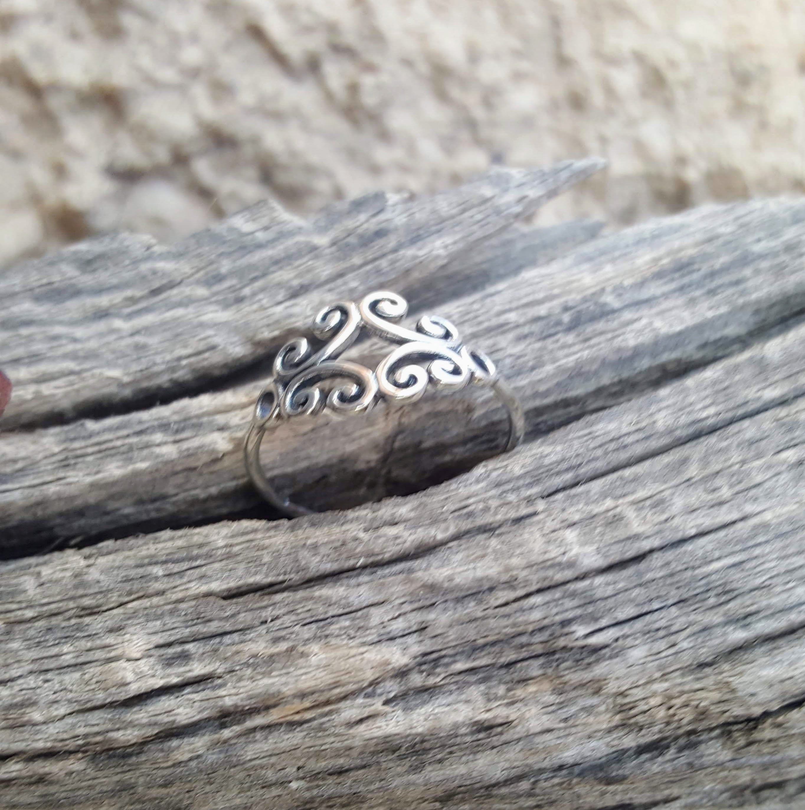 Sterling Silver Celtic ring side view