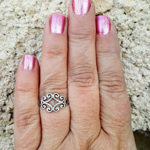 Sterling Silver Celtic Ring on finger hand view
